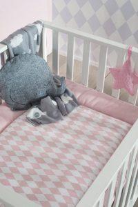łóżeczko dla niemowlaka